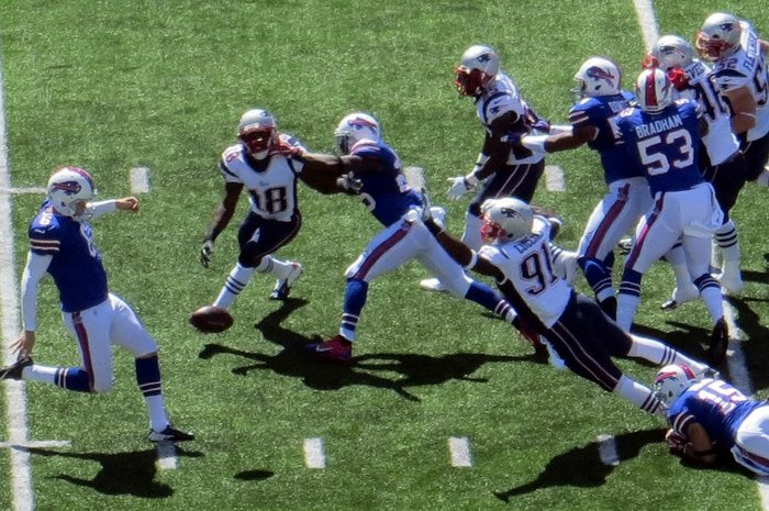 Sean Powell Punt for the Buffalo Bills